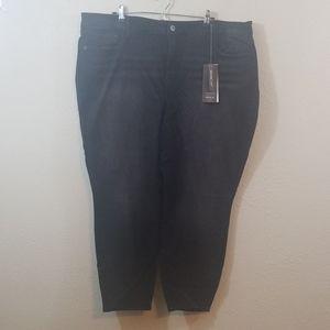 NWT TORRID Premium Black High Rise Curvy Jeans
